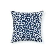 "Schumacher: Iconic Leopard 18"" I/O Pillow SO17732304 Navy"